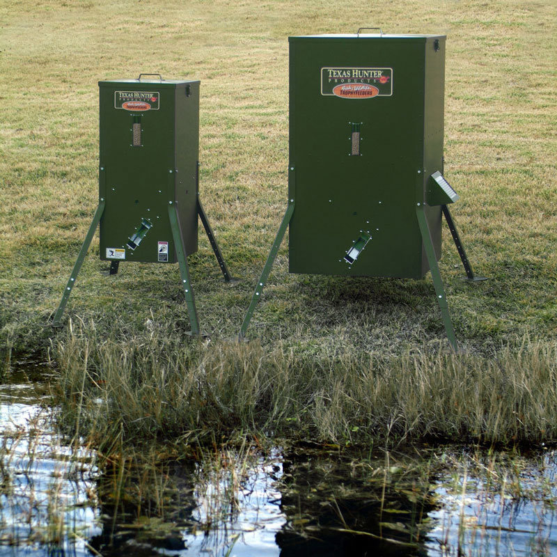 Texas hunter pro series fish feeders solar included for Texas hunter fish feeder
